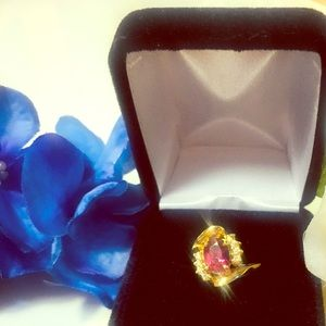 Jewelry - Estate 14KT Gold Natural Garnet & Diamond Ring 5gm
